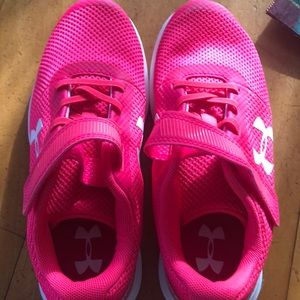 Under Armour Shoes - Size 3 girls UA runners, never worn